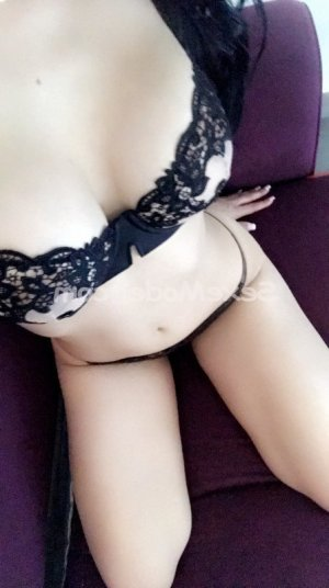 Caline escort girl