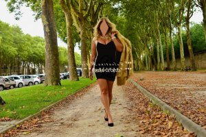 Vahine escort girl massage lovesita à Thiais