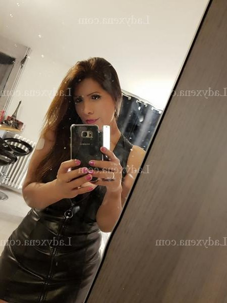 escorte girl massage à Soustons 40