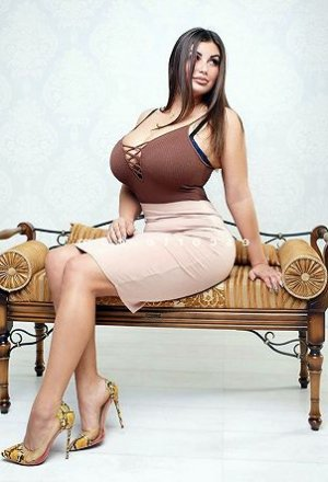 Hyzia escort girl lovesita
